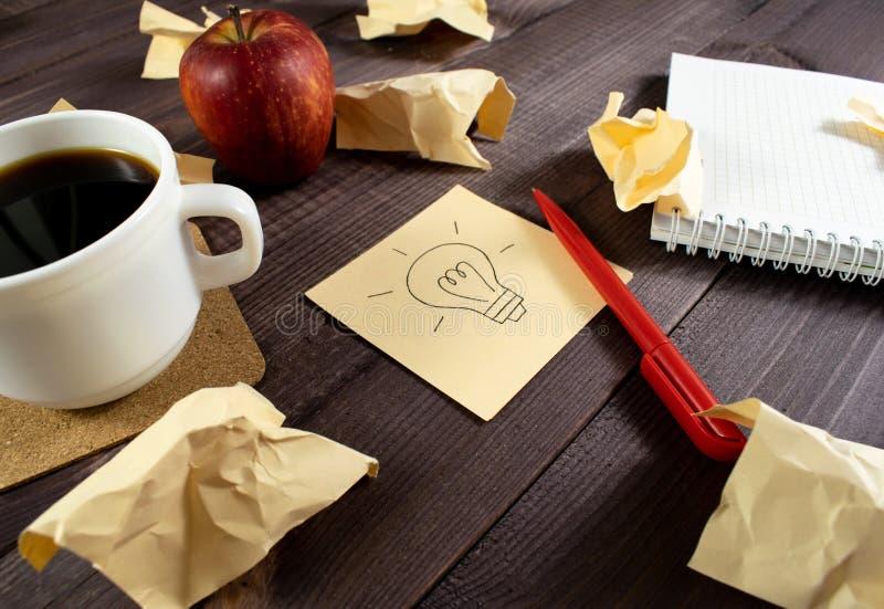 Configuration plate, bureau de table de bureau de vue sup?rieure Inspiration d'image, idées, échange d'idées, travail d'équipe on photo stock