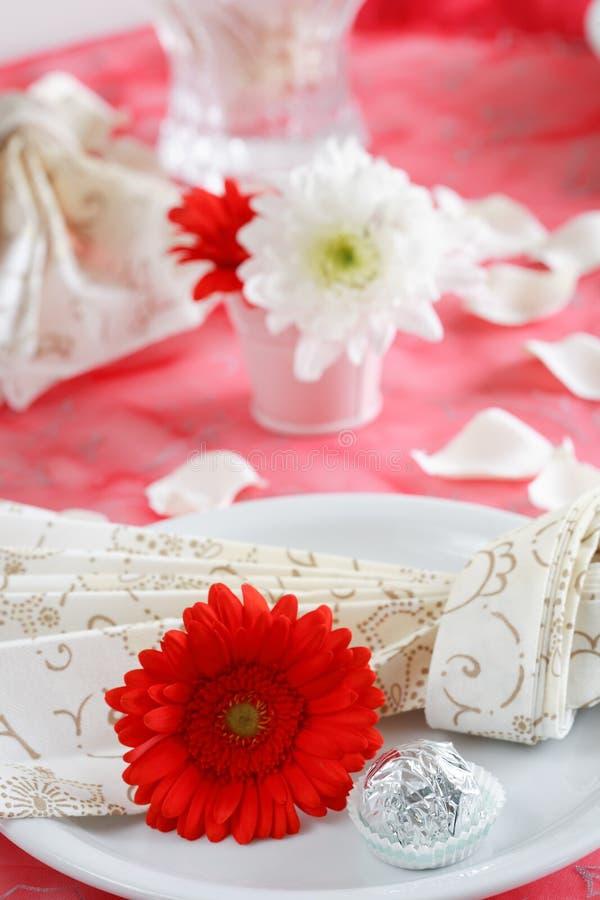 Configuration romantique de table image stock