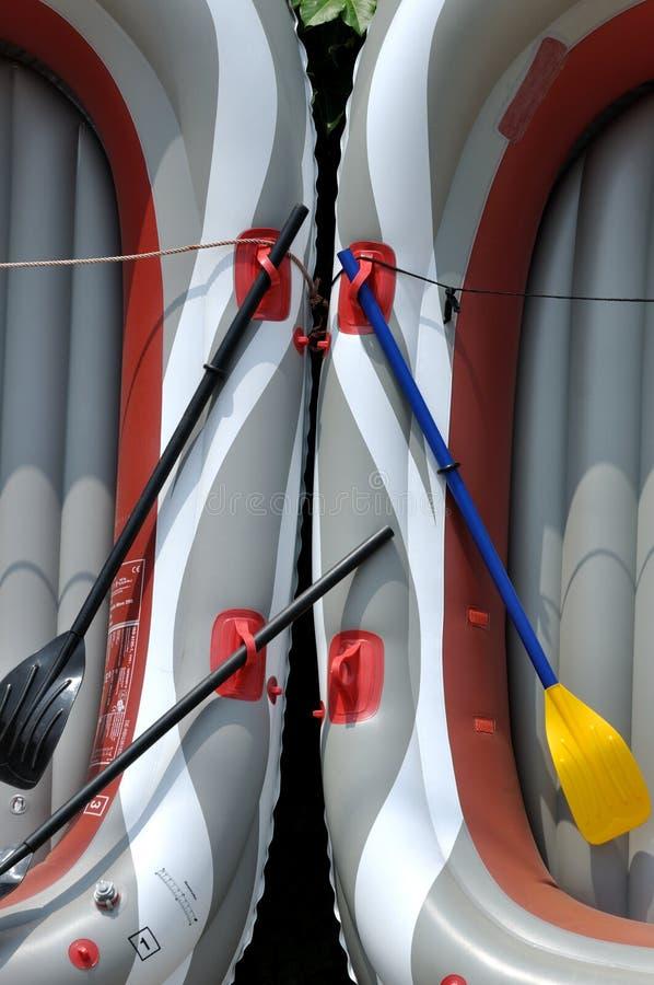 Configuration symétrique composée en le bateau léger en caoutchouc