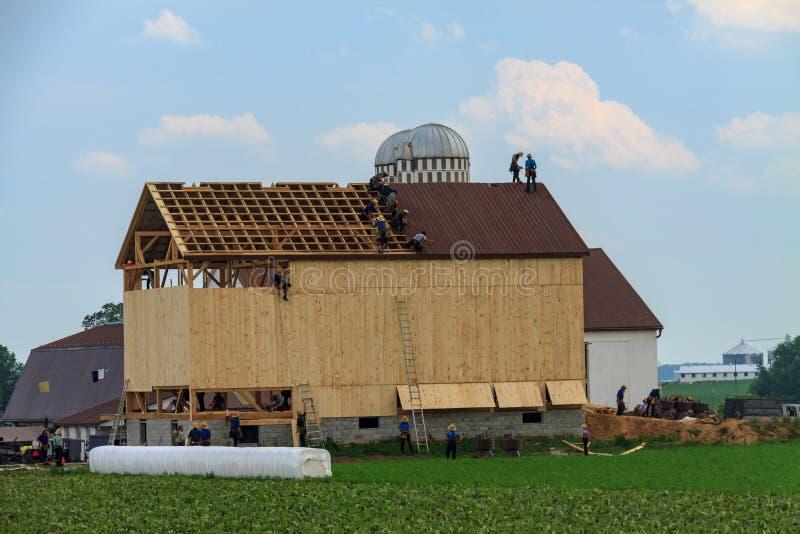 Configurazione di Amish un granaio immagini stock libere da diritti