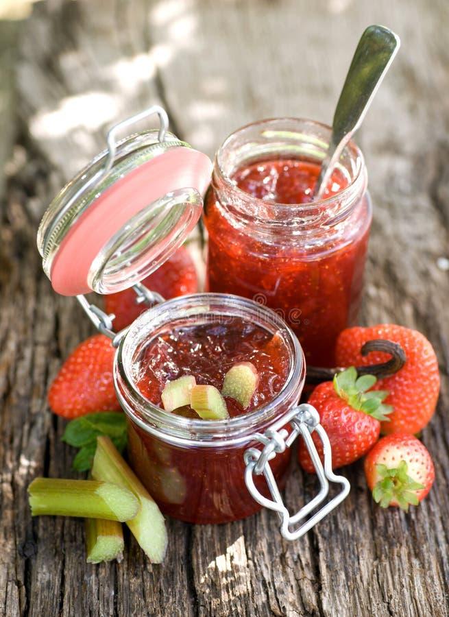 Confiture de fraise images stock