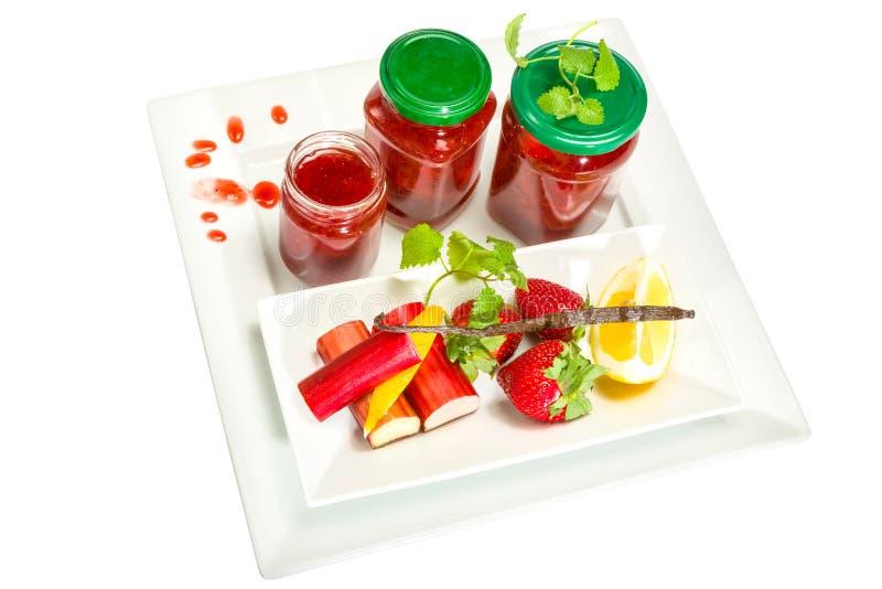 Confiture des fraises, de la rhubarbe et de la vanille photographie stock libre de droits