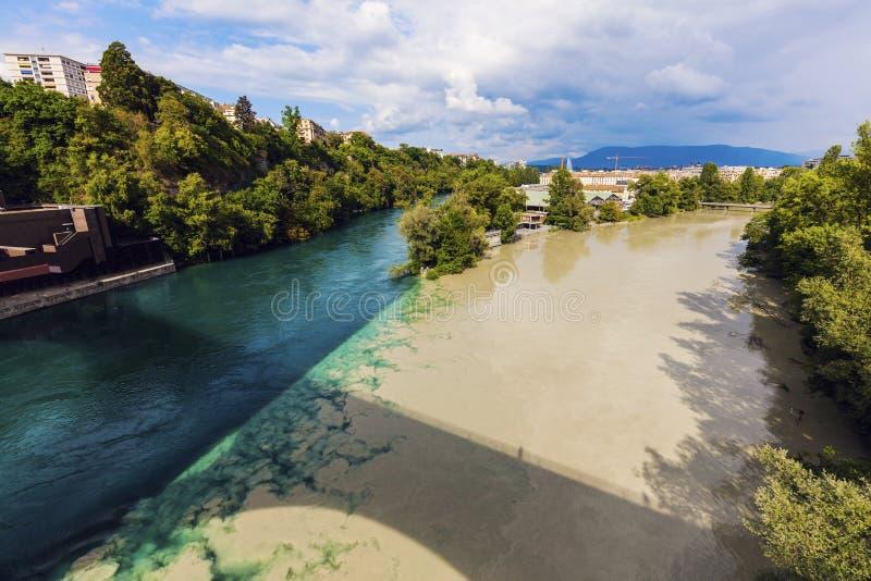 Confluencia del Rhone y Arve Rivers en Ginebra fotografía de archivo