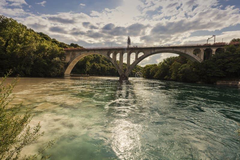Confluencia del Rhone y Arve Rivers en Ginebra imagen de archivo libre de regalías