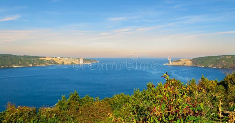 Confluent de Bosphorus et de Mer Noire dans Anadolu Kavagi, Istanbul, Turquie photos stock