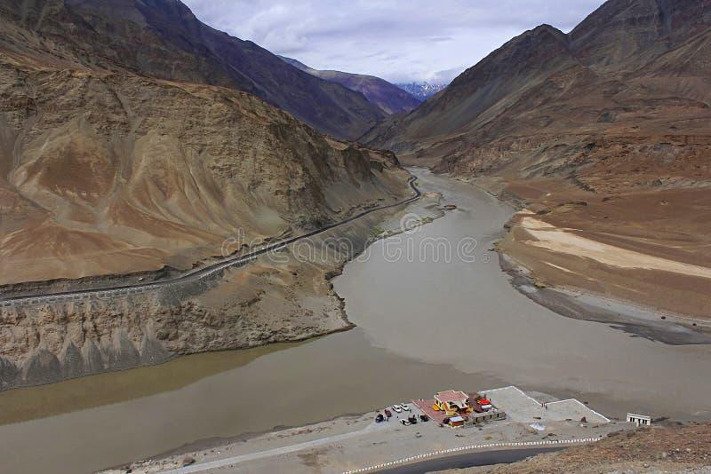 Confluent des rivières d'Indus et de Zanskar, Ladakh, Jammu-et-Cachemire images libres de droits