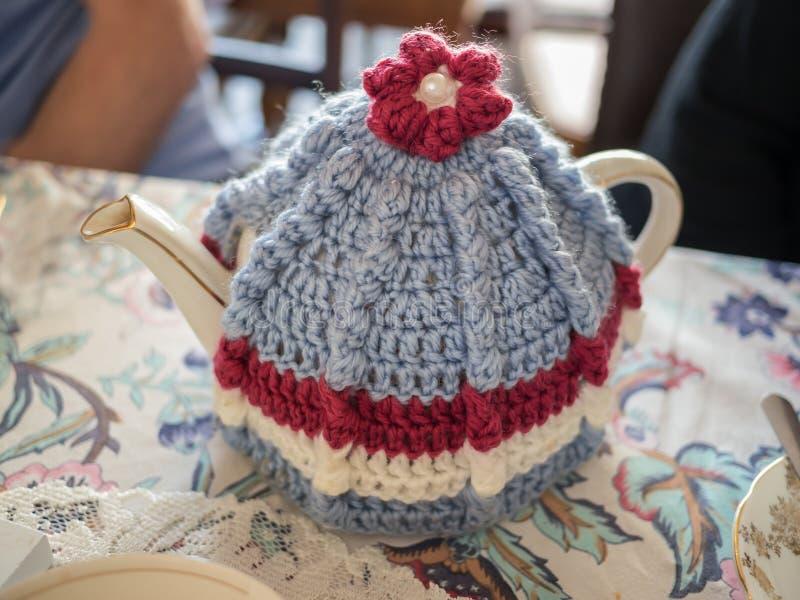 Confortável do bule e de chá do estilo do vintage imagem de stock