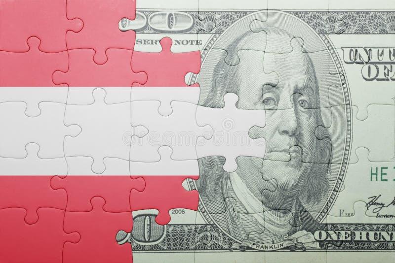 Confunda com a bandeira nacional da cédula de Áustria e de dólar fotografia de stock royalty free