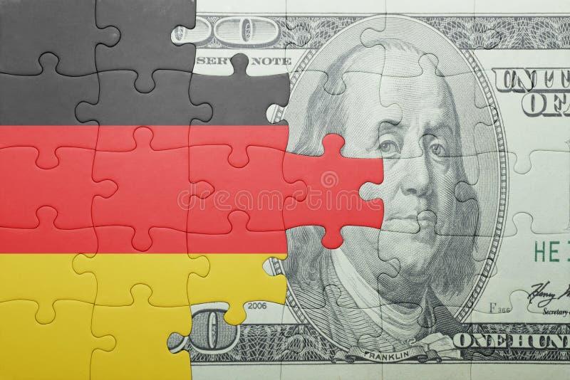 Confunda com a bandeira nacional da cédula de Alemanha e do dólar fotos de stock