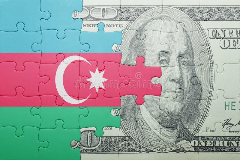 Confunda com a bandeira nacional da cédula de azerbaijan e de dólar fotografia de stock