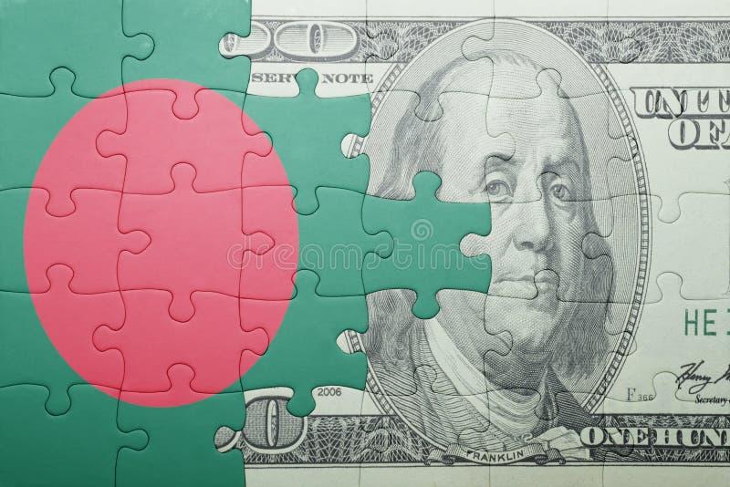 Confunda com a bandeira nacional da cédula de bangladesh e de dólar fotos de stock
