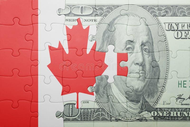 Confunda com a bandeira nacional da cédula de Canadá e de dólar fotografia de stock