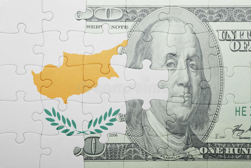 Confunda com a bandeira nacional da cédula de Chipre e de dólar imagem de stock royalty free