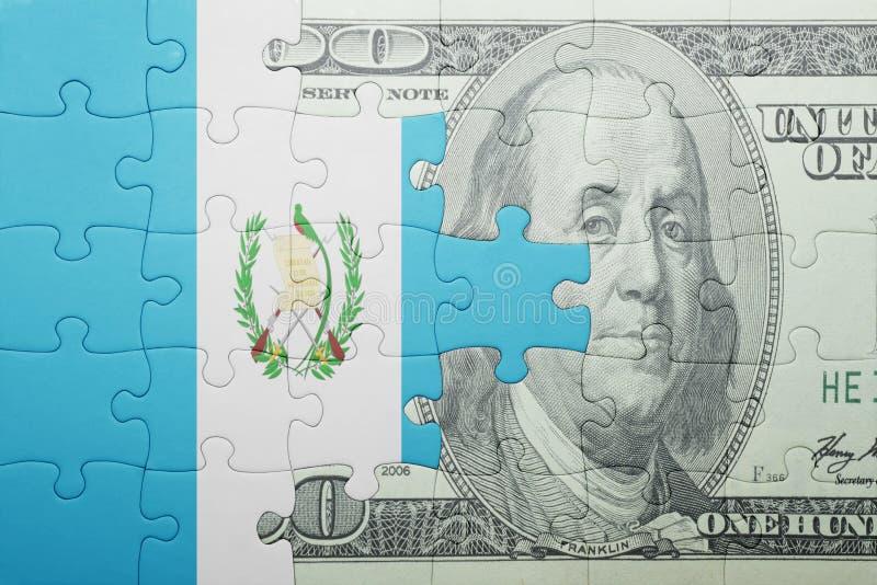 Confunda com a bandeira nacional da cédula de guatemala e de dólar fotografia de stock royalty free