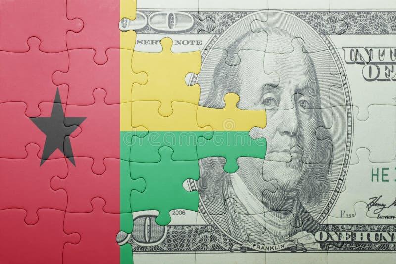 Confunda com a bandeira nacional da cédula de Guiné-Bissau e de dólar fotos de stock royalty free