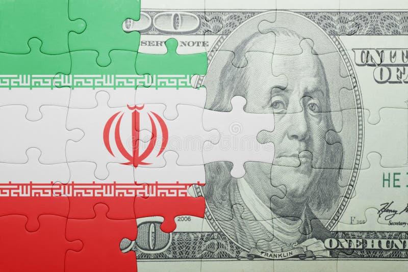 Confunda com a bandeira nacional da cédula de Irã e de dólar foto de stock