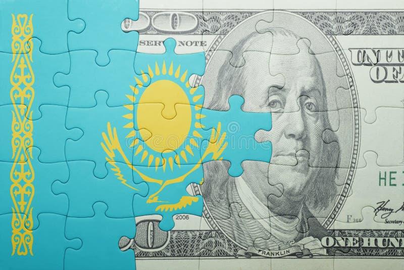 Confunda com a bandeira nacional da cédula de kazakhstan e de dólar imagem de stock