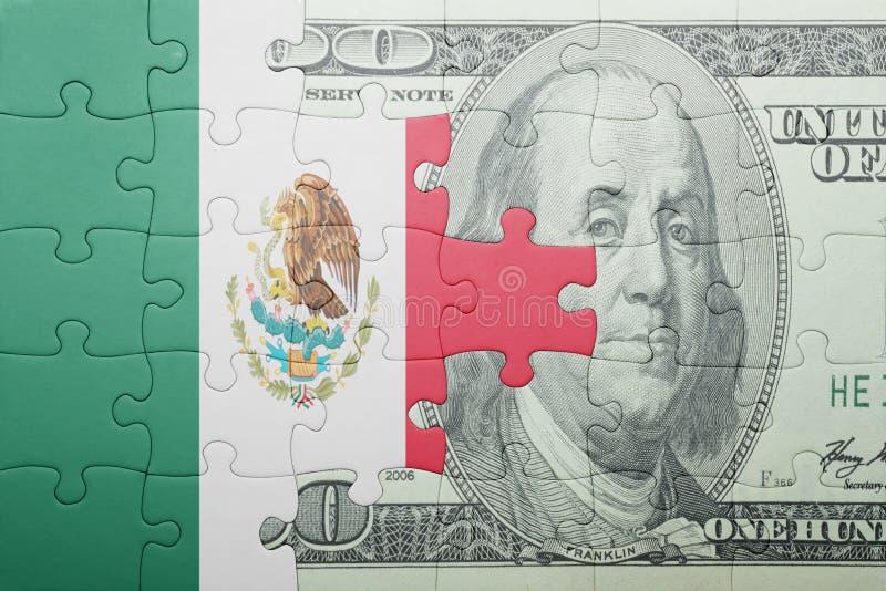 Confunda com a bandeira nacional da cédula de México e de dólar imagens de stock