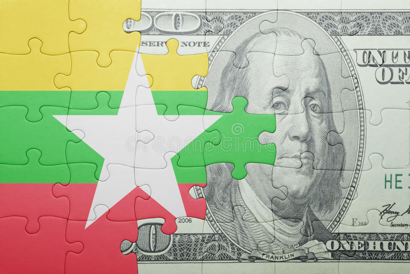 Confunda com a bandeira nacional da cédula de myanmar e de dólar fotografia de stock royalty free