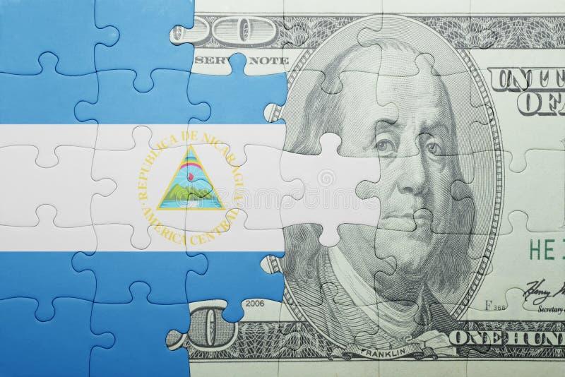 Confunda com a bandeira nacional da cédula de Nicarágua e de dólar fotos de stock