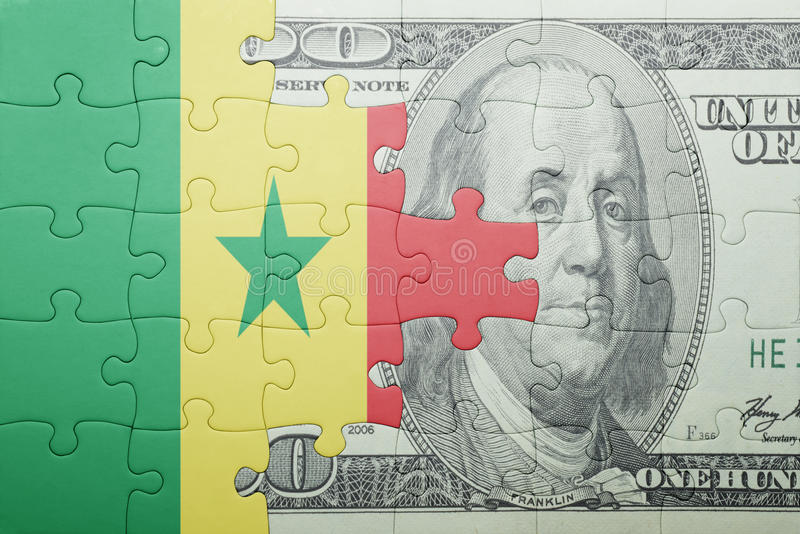 Confunda com a bandeira nacional da cédula de senegal e de dólar fotos de stock
