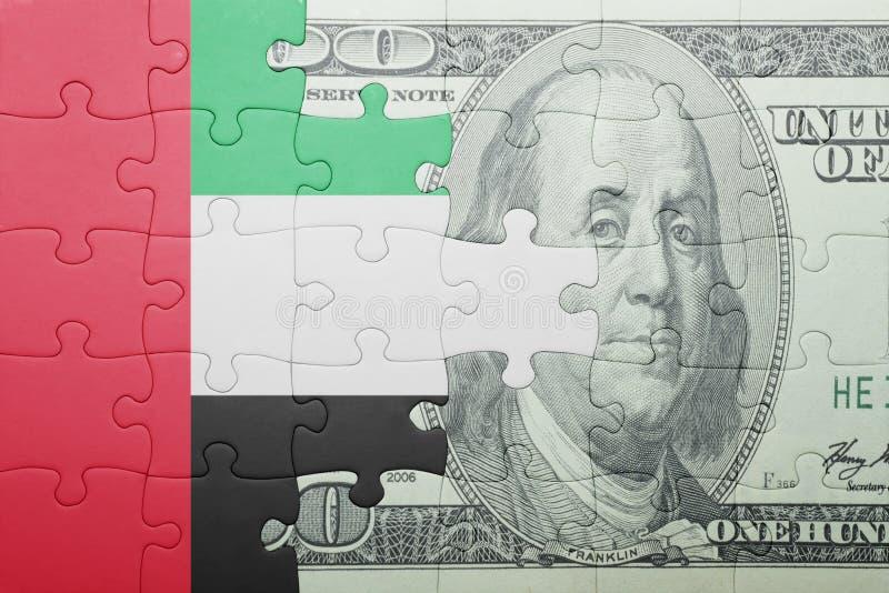 Confunda com a bandeira nacional de United Arab Emirates e de cédula do dólar fotos de stock