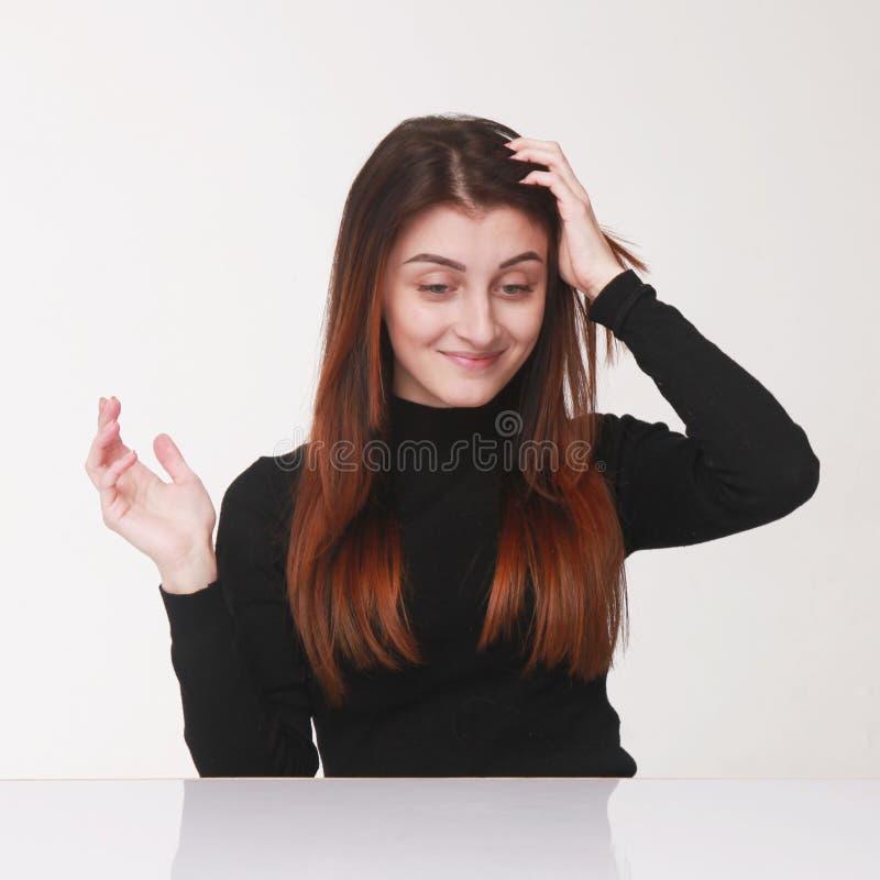 Confusão (retrato psicológico, linguagem corporal, gestos) foto de stock royalty free
