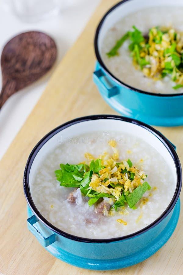 Congee do arroz misturado com a carne imagem de stock