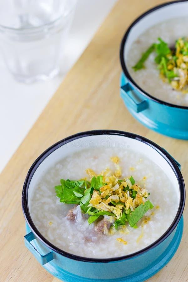Congee do arroz misturado com a carne imagens de stock