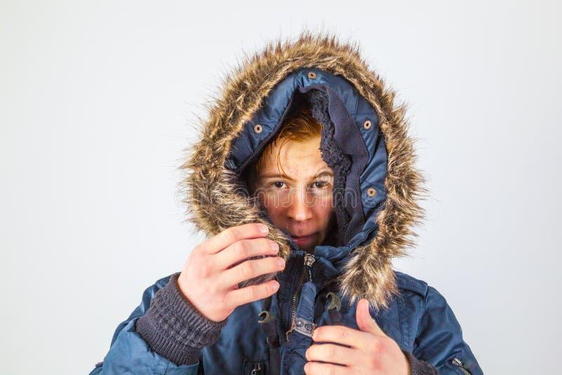 Congelatore in abiti invernali fotografia stock