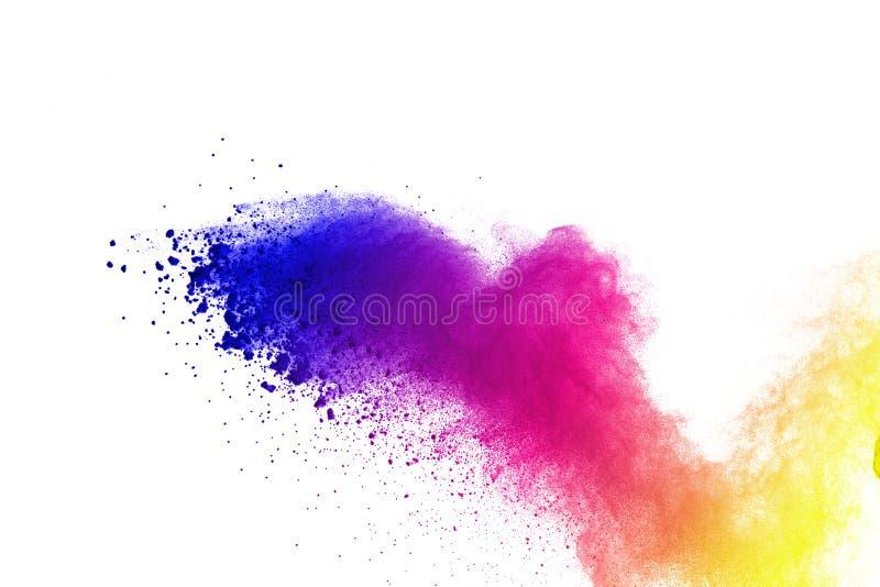 Congele el movimiento de las explosiones coloreadas del polvo aisladas en el fondo blanco imágenes de archivo libres de regalías