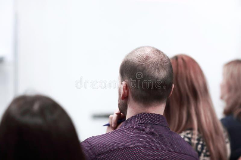 Congreso de negocios y presentaci?n Audiencia en la sala de conferencias imagen de archivo libre de regalías