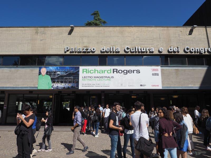 Congressi för dei för Palazzo dellacultura e i bolognaen arkivfoto