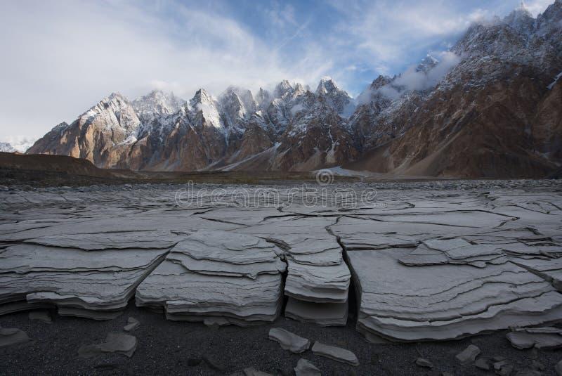 Coni di Passu o montagna della cattedrale di Passu nella gamma di Karakoram, Gilg fotografie stock libere da diritti