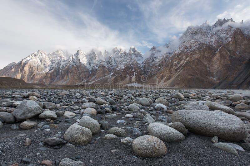 Coni di Passu o montagna della cattedrale di Passu nella gamma di Karakoram, Gilg immagine stock libera da diritti