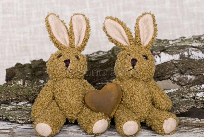 Coniglietti di pasqua d'annata degli animali farciti fotografia stock