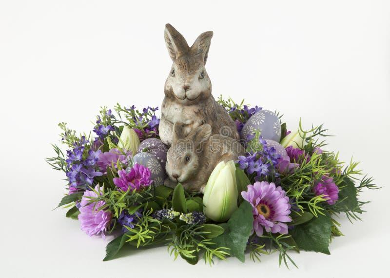Coniglietto con le uova di Pasqua fotografia stock libera da diritti