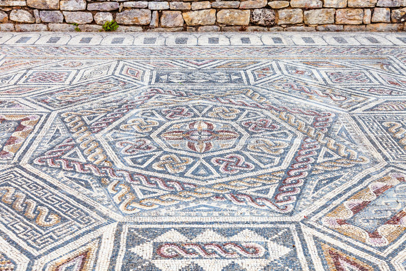 Conimbriga罗马废墟 复杂和精心制作的罗马tessera马赛克铺面 免版税库存照片