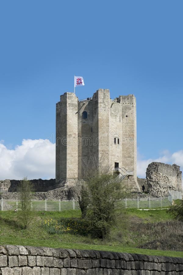 Conisbrough Castle, Conisbrough, South Yorkshire, UK 17th April 2016 The medieval castle which stands between Rotherham and Doncas. Ter is now in the care of stock photo