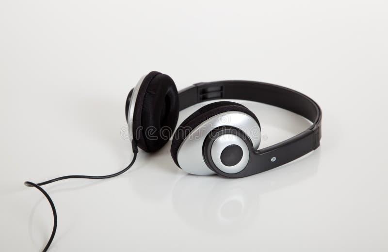 Conjunto de auriculares estéreos en blanco foto de archivo libre de regalías