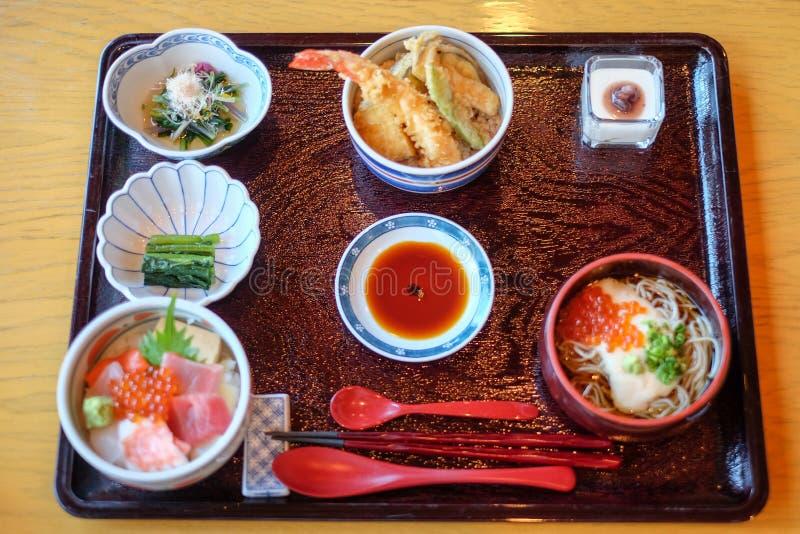 Conjunto de comida japonesa fotos de archivo