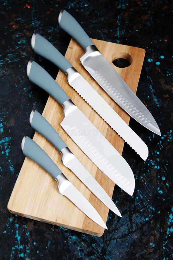 Conjunto de cuchillos de cocina fotografía de archivo libre de regalías