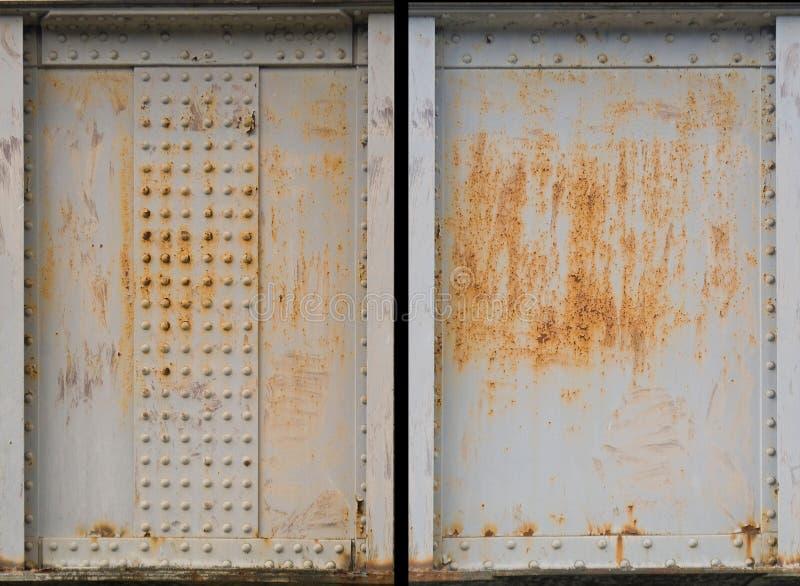Conjunto de dos plateados de metal oxidados fotografía de archivo libre de regalías