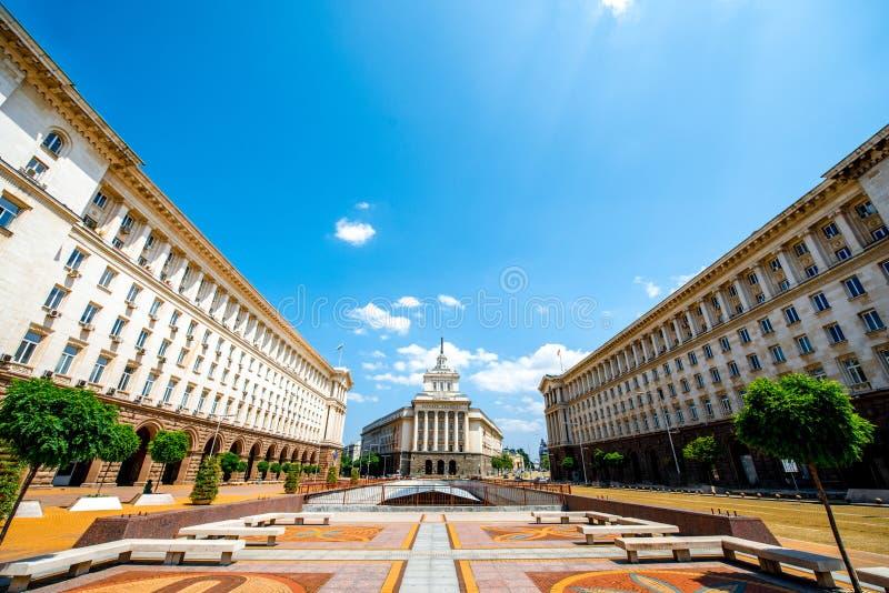 Conjunto de tres edificios socialistas del clasicismo adentro foto de archivo