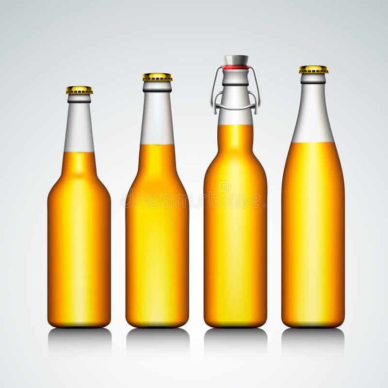 Conjunto del claro de la botella de cerveza sin escritura de la etiqueta ilustración del vector