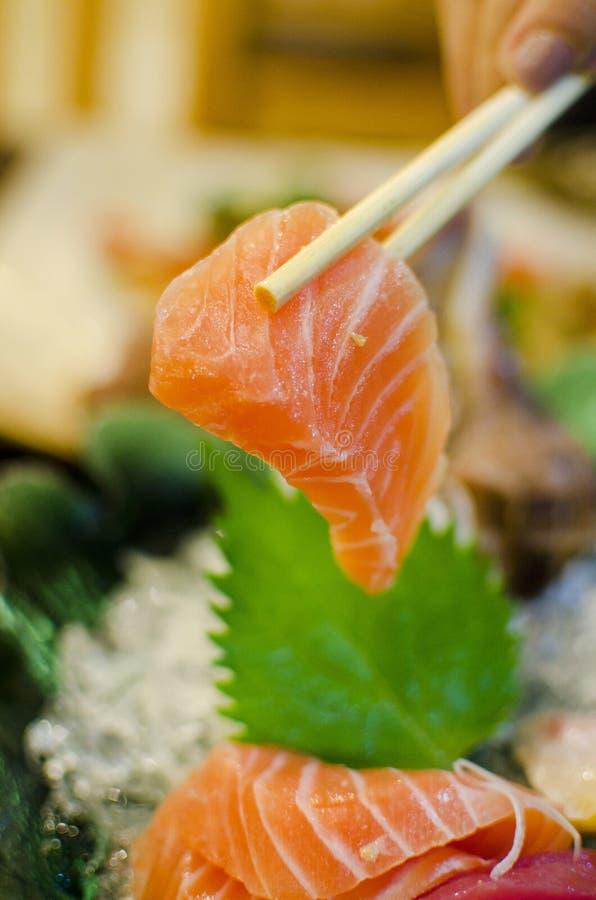 Conjunto del Sashimi de los salmones, atún, comida japonesa foto de archivo