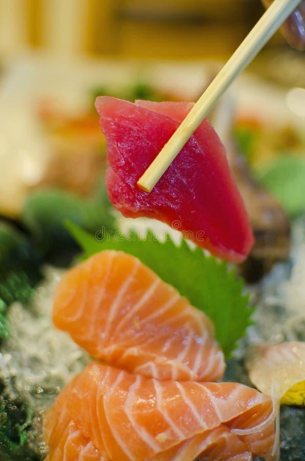 Conjunto del Sashimi de los salmones, atún, comida japonesa imagenes de archivo