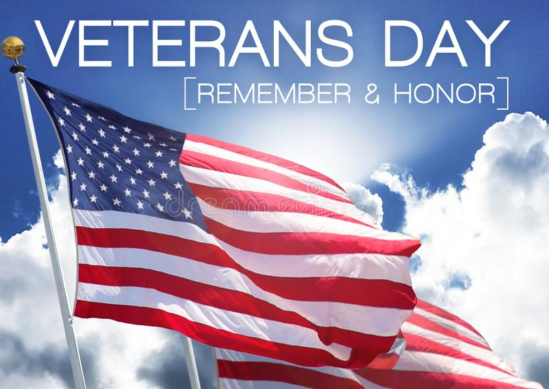 Conmemoración del cielo de la bandera del día de veteranos y dignidad del honor imágenes de archivo libres de regalías