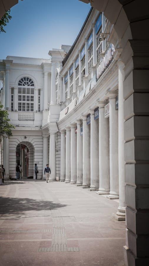 Connaught Place rotonde het financiële centrum in van New Delhi, India royalty-vrije stock fotografie