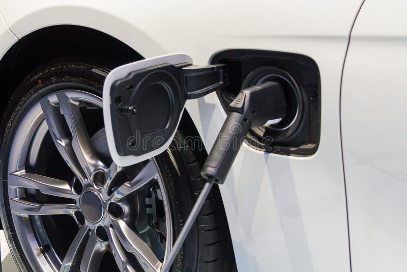 Connettore del caricatore dell'automobile elettrica fotografie stock